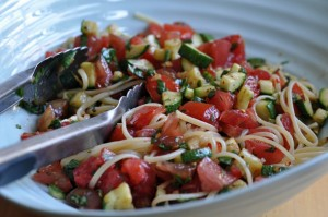 Pasta-With-Tomatoes-Zucchini-1024x680